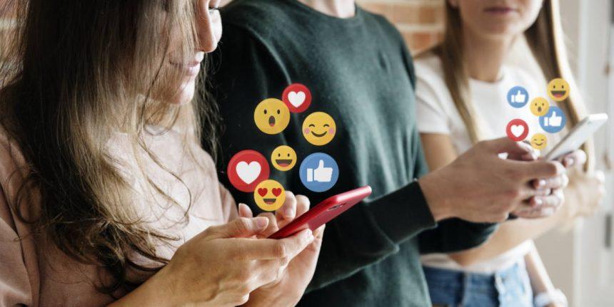 Uzależnienie od social mediów – objawy i leczenie